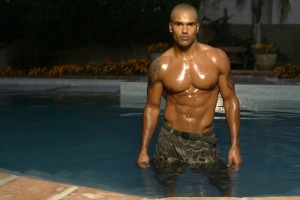 SHEMAR MOORE_SHIRTLESS AND WET